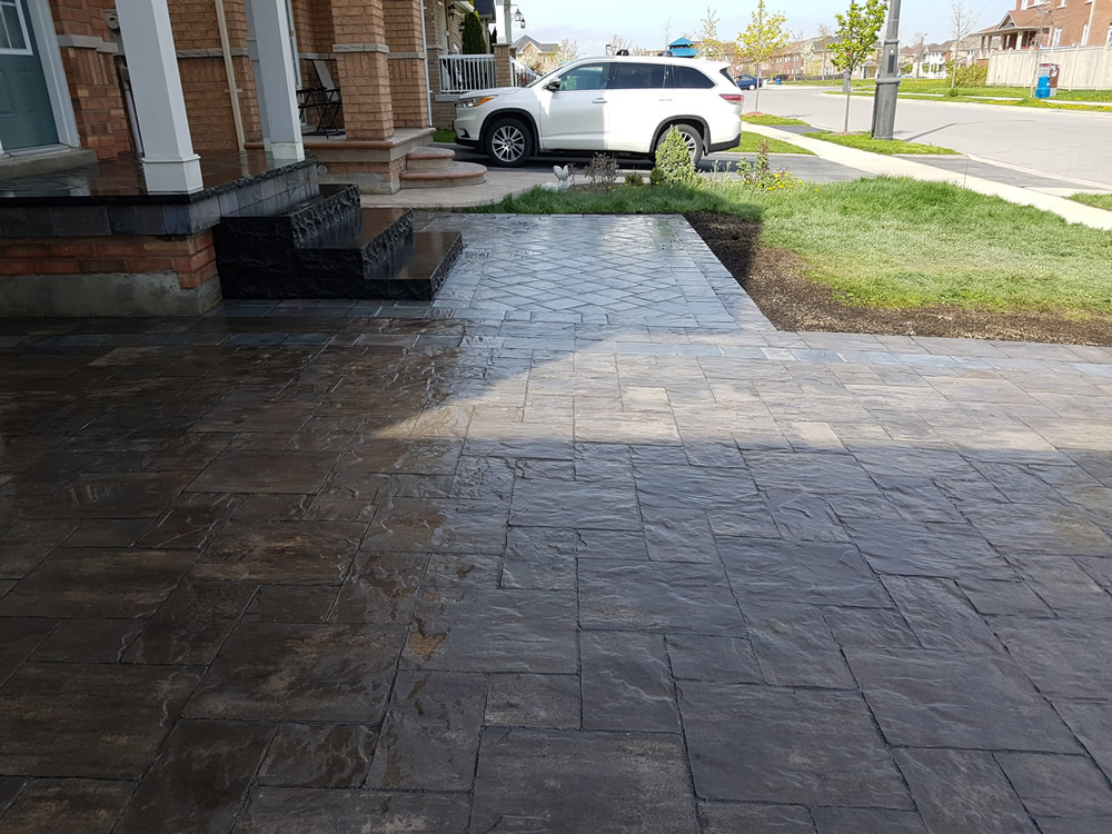 Upper Canada Court front entrance & driveway completion